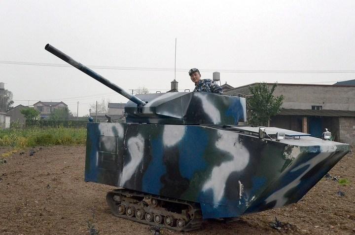 Китаец сделал танк ко дню рождения своего сына (5)
