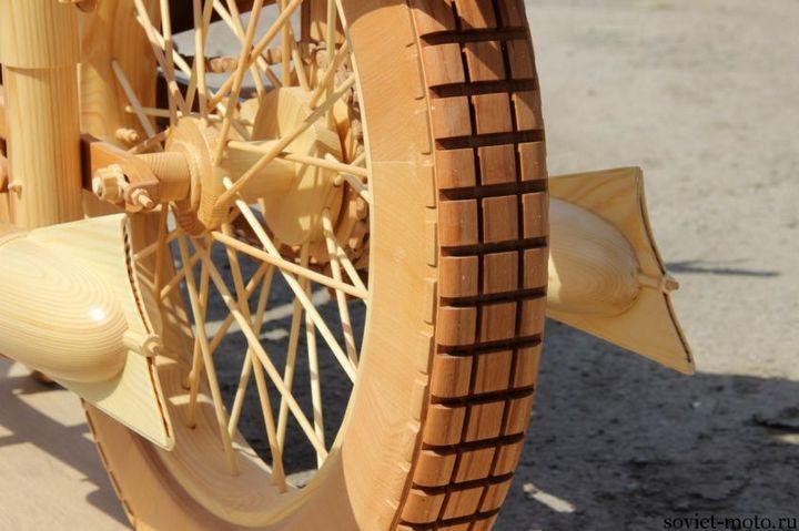 Копия мотоцикла ИЖ-49 из дерева (10)