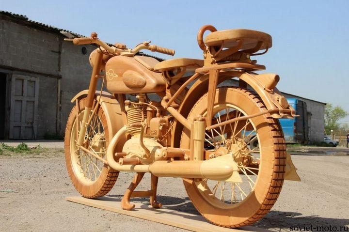 Копия мотоцикла ИЖ-49 из дерева (14)
