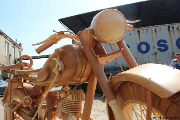 Копия мотоцикла ИЖ-49 из дерева (24)