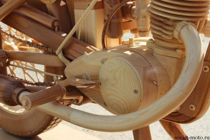 Копия мотоцикла ИЖ-49 из дерева (25)