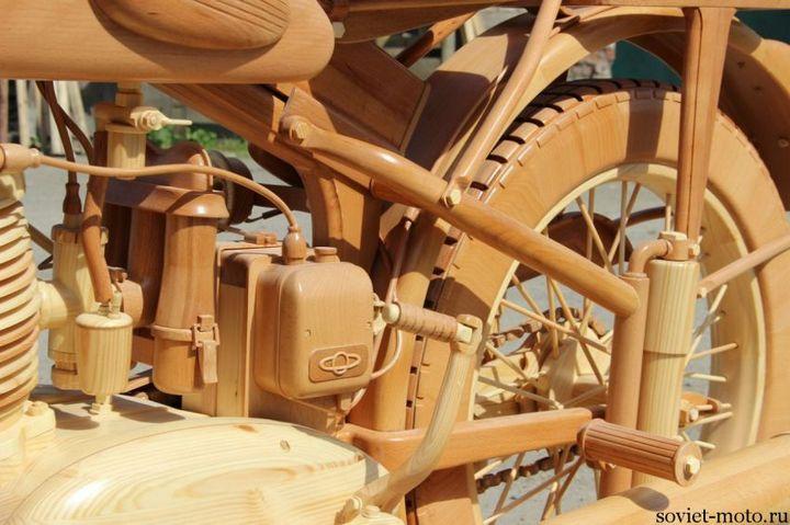 Копия мотоцикла ИЖ-49 из дерева (26)