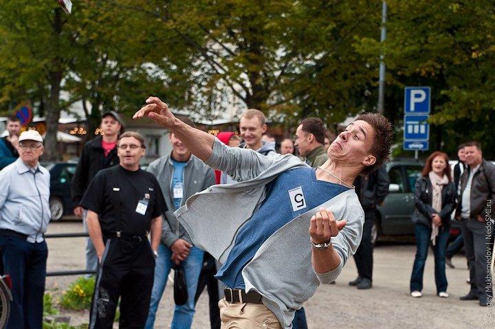Чемпионат по метанию мобильных телефонов в Финляндии (8)