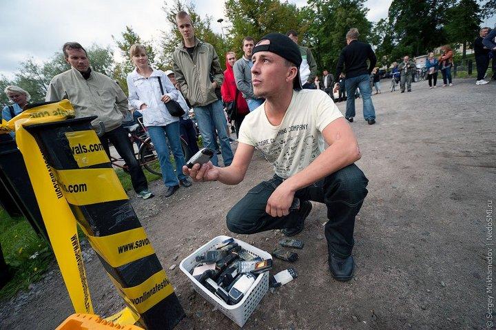 Чемпионат по метанию мобильных телефонов в Финляндии (11)