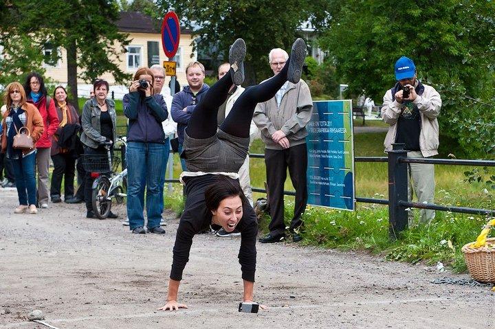 Чемпионат по метанию мобильных телефонов в Финляндии (14)