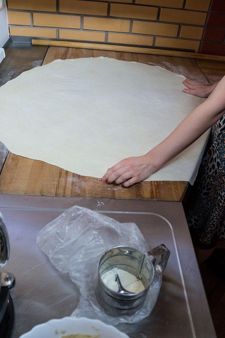 Как правильно испечь слоеную самсу. Рецепт приготовления в фотографиях (17)