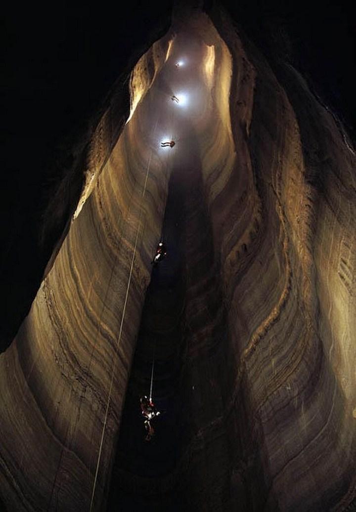Самая глубокая в мире пещера (20)