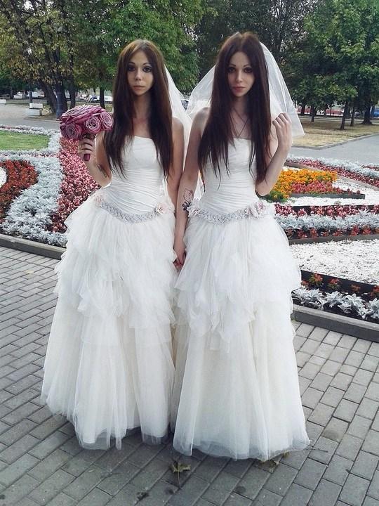 В Москве поженились две невесты (1)