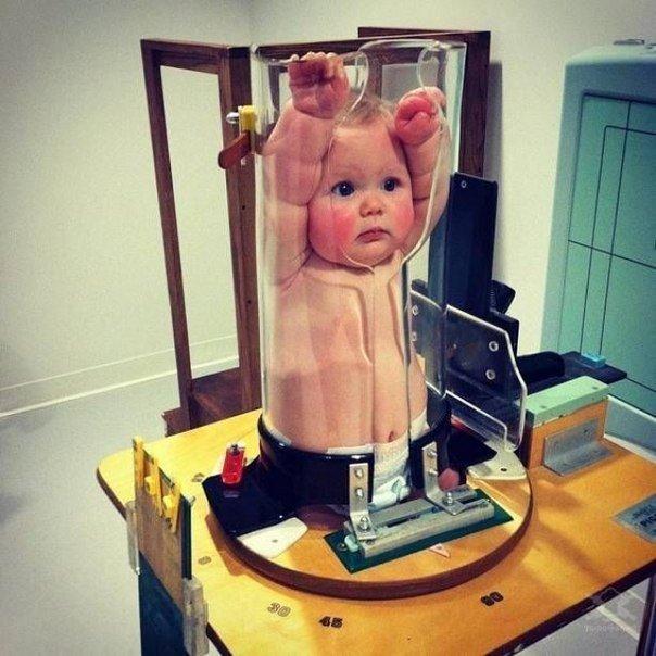 Прибор для фиксации ребенка в рентген-кабинете.