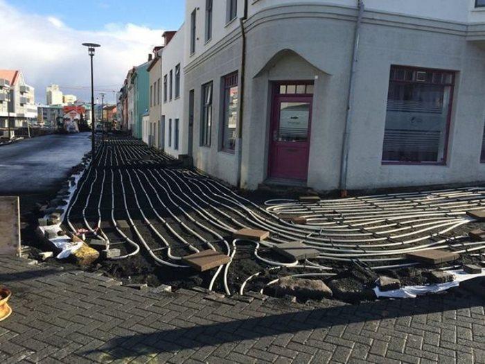 В Рейкьявике готовят тротуар с подогревом