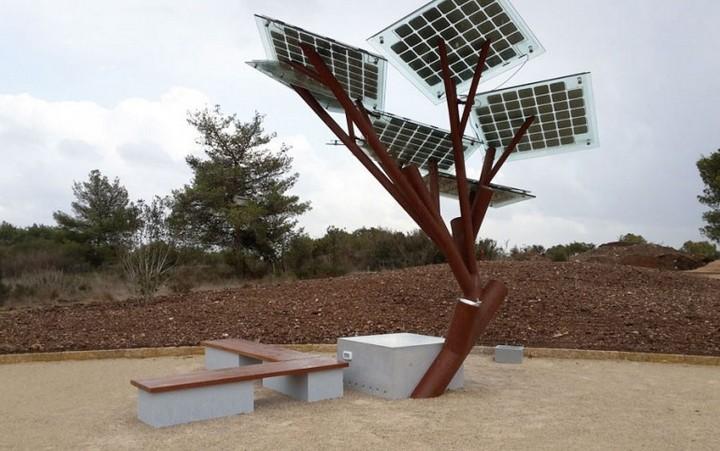 """""""Дерево"""" с солнечными панелями..."""