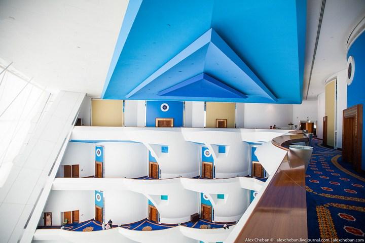 Самый дорогой гостиничный номер в семизвездочном отеле Burj Al Arab (48)