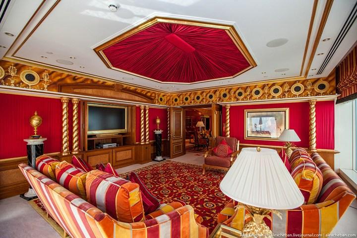 Самый дорогой гостиничный номер в семизвездочном отеле Burj Al Arab (46)