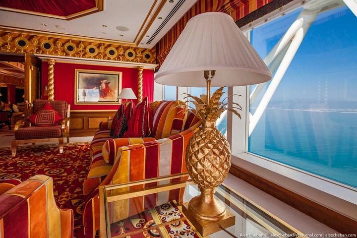 Самый дорогой гостиничный номер в семизвездочном отеле Burj Al Arab (45)