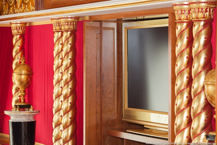 Самый дорогой гостиничный номер в семизвездочном отеле Burj Al Arab (42)
