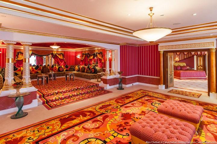Самый дорогой гостиничный номер в семизвездочном отеле Burj Al Arab (32)