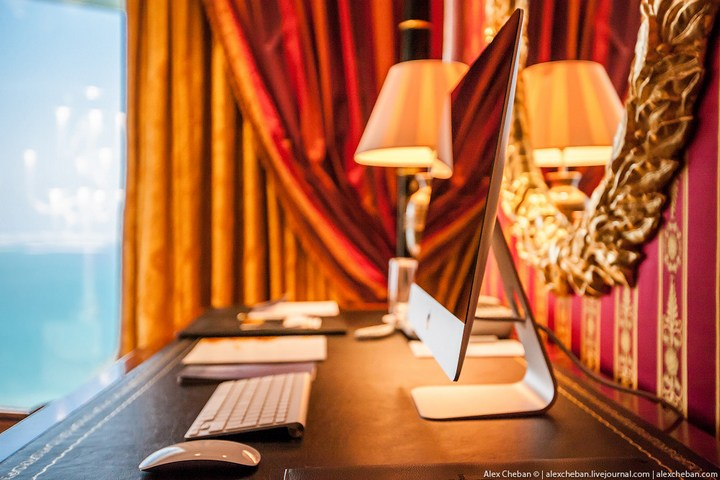 Самый дорогой гостиничный номер в семизвездочном отеле Burj Al Arab (13)