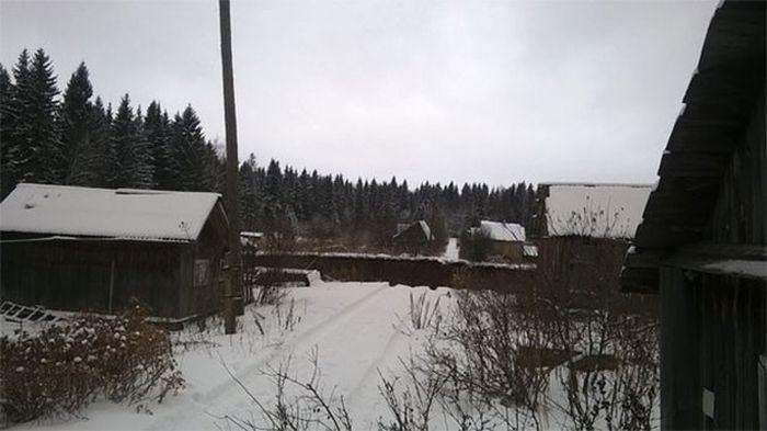 Провал грунта в Соликамске (1)