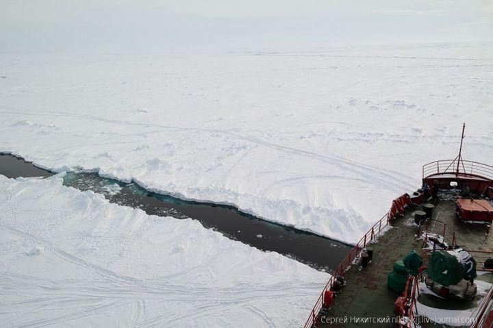 Как спасали людей и оборудование в Арктике (1)