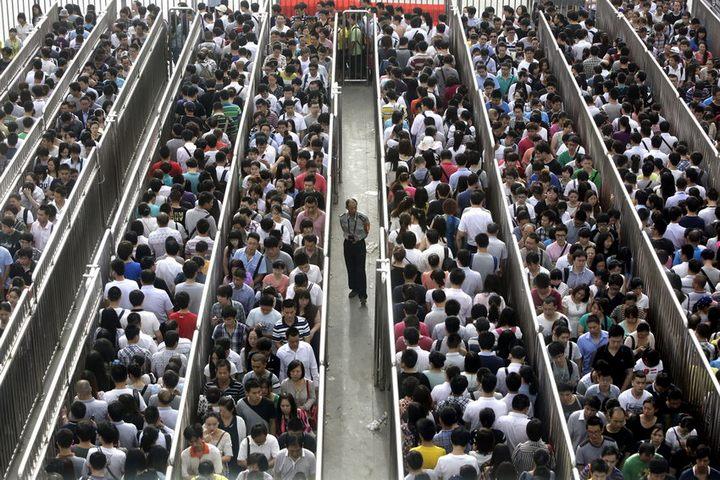 Очередь в пекинский метрополитен