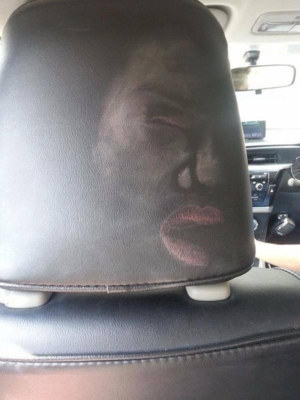 Девушки, на задних сиденьях тоже пристегиваться нужно