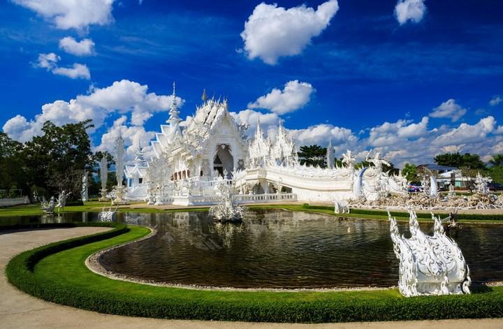 Ват Ронг Кхун - белый храм в Таиланде (1)