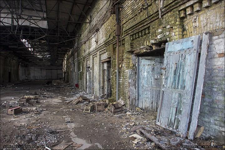 Заброшенный Киевский завод Электротранспорта (4)
