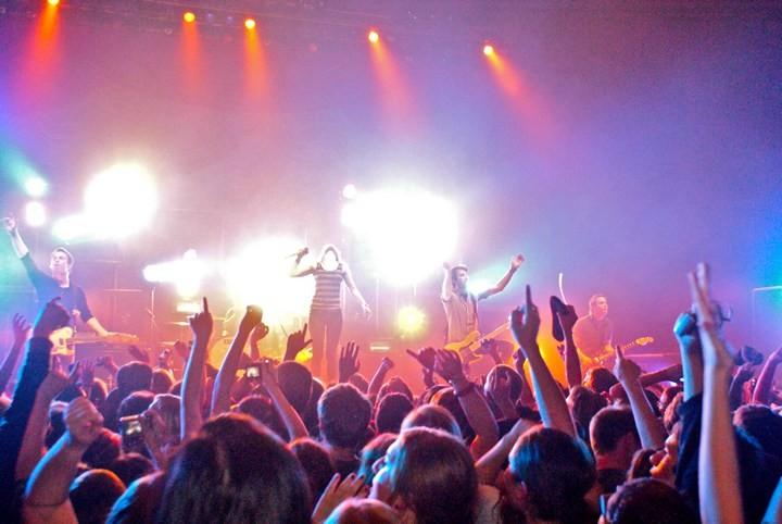 Билеты на концерт любимых артистов (3)