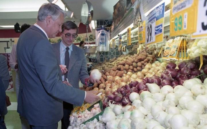 Как Ельцин впервые в жизни в американском супермаркете побывал (4)