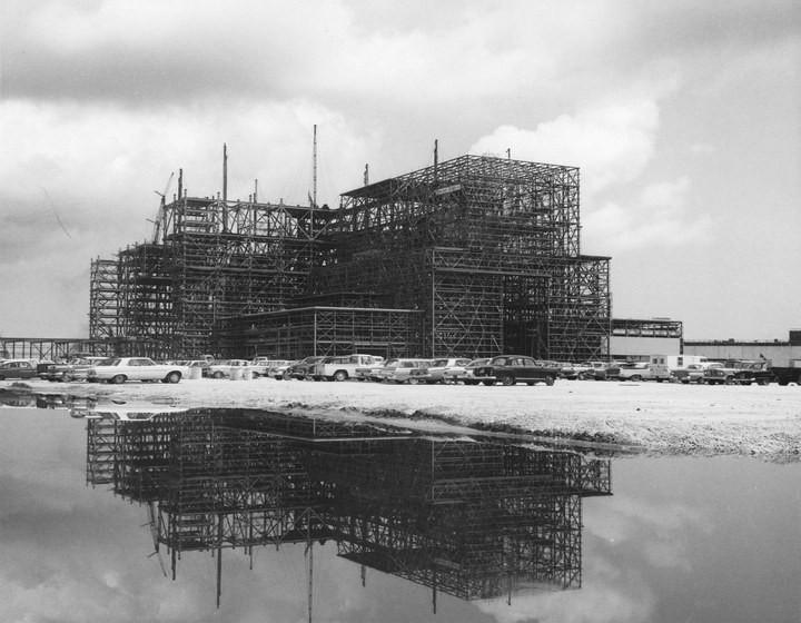 Самое большое одноэтажное здание в мире NASA Vehicle Assembly Building (4)