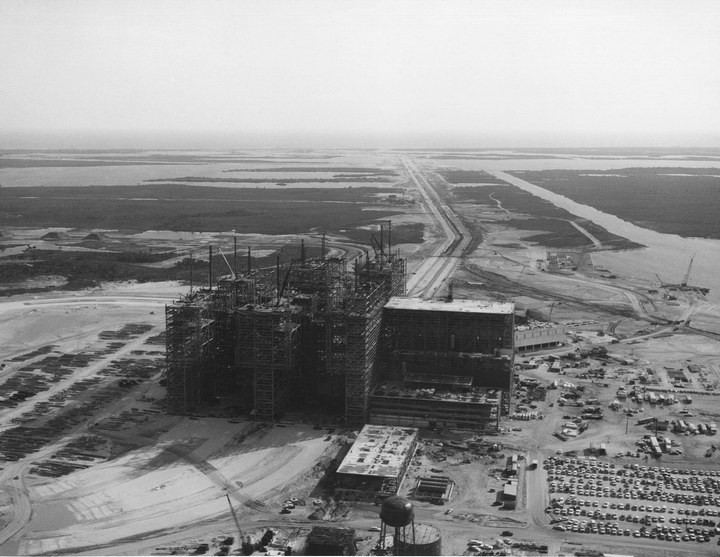 Самое большое одноэтажное здание в мире NASA Vehicle Assembly Building (5)