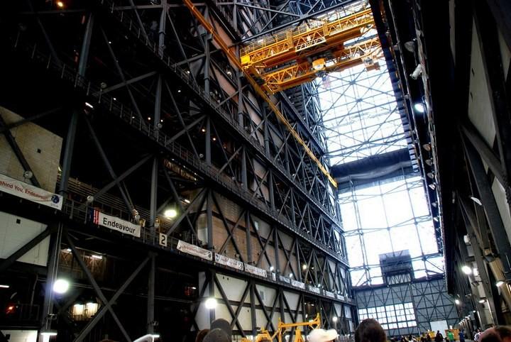 Самое большое одноэтажное здание в мире NASA Vehicle Assembly Building (13)
