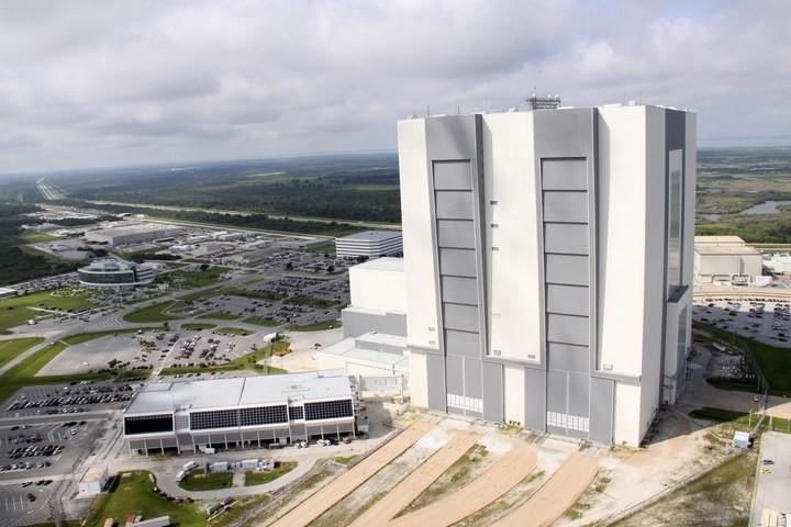 Самое большое одноэтажное здание в мире NASA Vehicle Assembly Building (19)