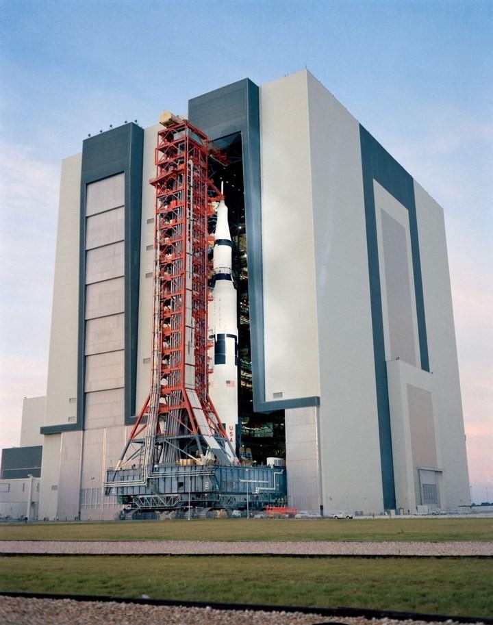 Самое большое одноэтажное здание в мире NASA Vehicle Assembly Building (21)