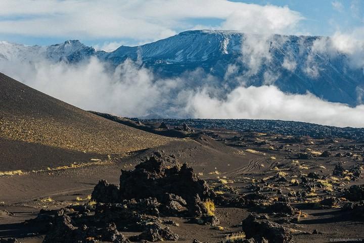 Лавовый поток вулкана Толбачик, гора Камень и Ключевская сопка (22)