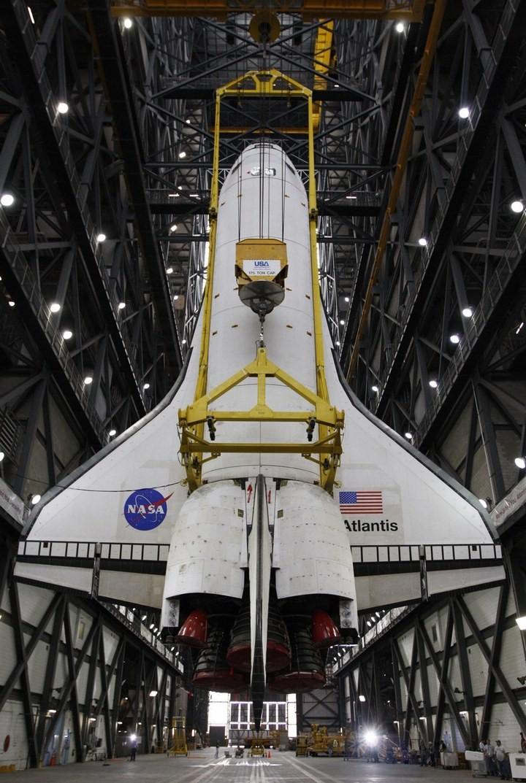 Самое большое одноэтажное здание в мире NASA Vehicle Assembly Building (24)