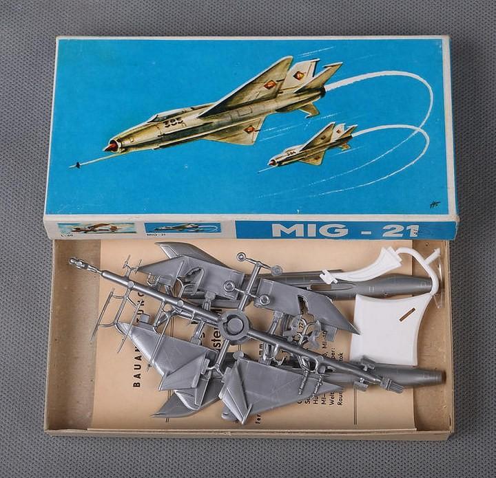 ГэДээРовские сборные модели самолётов (25)