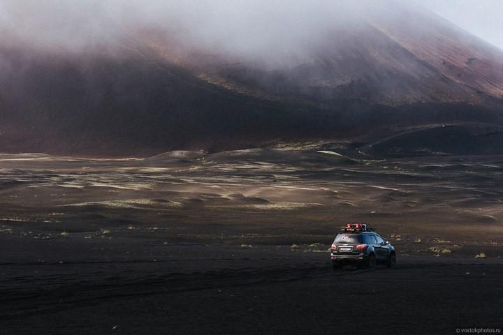 Лавовый поток вулкана Толбачик, гора Камень и Ключевская сопка (26)