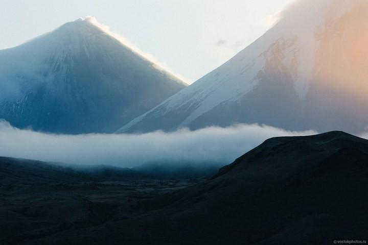 Лавовый поток вулкана Толбачик, гора Камень и Ключевская сопка (39)