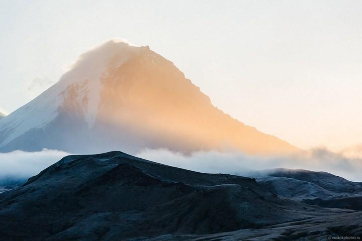 Лавовый поток вулкана Толбачик, гора Камень и Ключевская сопка (40)