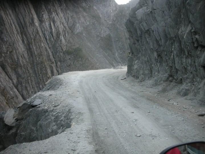 Опасная дорога в Индии (3)