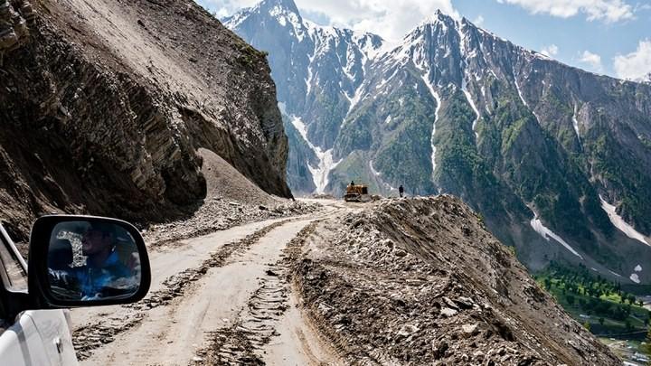 Опасная дорога в Индии (4)