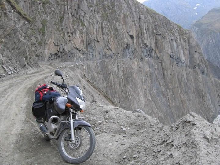 Опасная дорога в Индии (6)