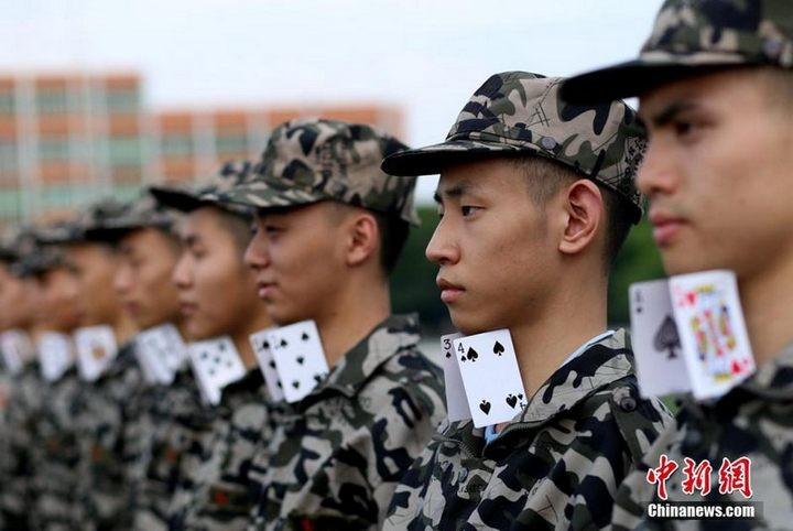 Как оттачивают строевую выправку в Китае (1)