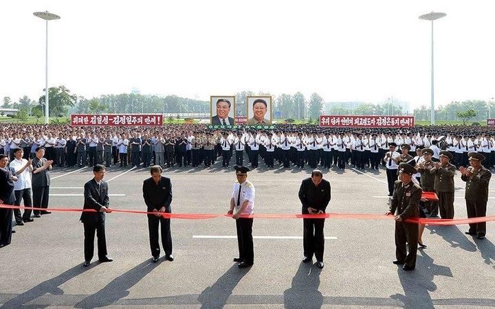 Ким Чен Ын на открытии нового терминала в аэропорту в Пхеньяне (3)