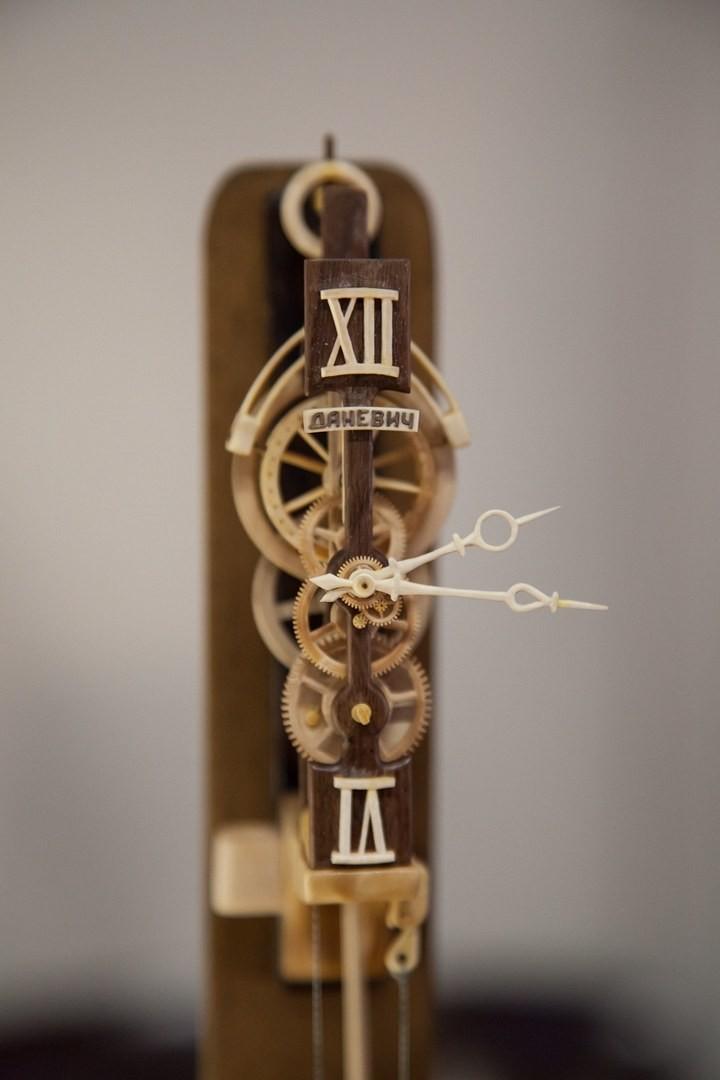 Деревянные часы Валерия Даневича (5)
