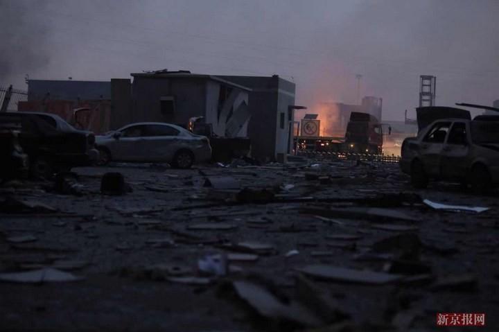 Последствия взрывов в китайском городе Тяньцзине (4)