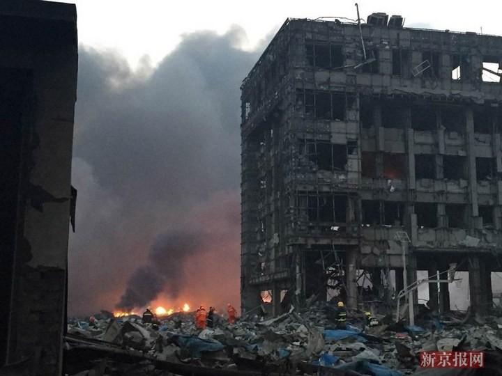Последствия взрывов в китайском городе Тяньцзине (6)