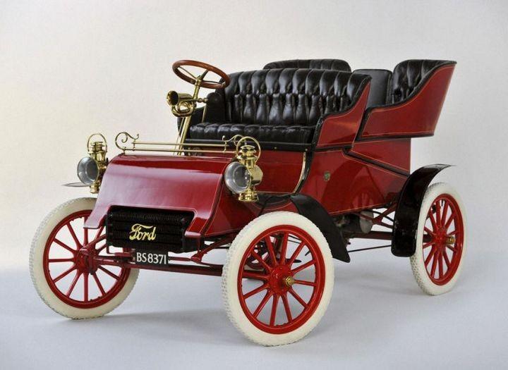 Первые автомобили в истории крупнейших современных брендов (14)