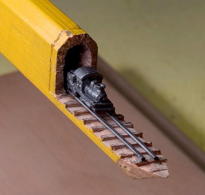 Миниатюра. Поезд из карандаша (1)